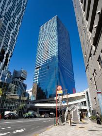 明治通りと渋谷の高層ビル群 東京都
