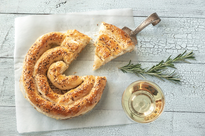 Spiral phyllo pie with feta