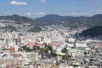 鍋冠山公園展望台から見た晴天の長崎市街地眺望 東山手方面