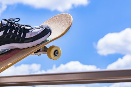 スケボー スケートボード 【 人気 急上昇 の スポーツ 】