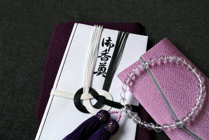 数珠と数珠袋と香典と袱紗 1 女性用