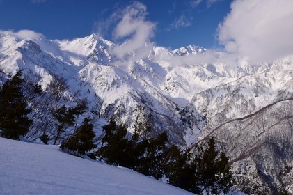 白馬八方尾根から望む白馬の峰々