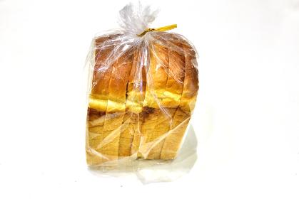 ラッピングされた一斤のパン