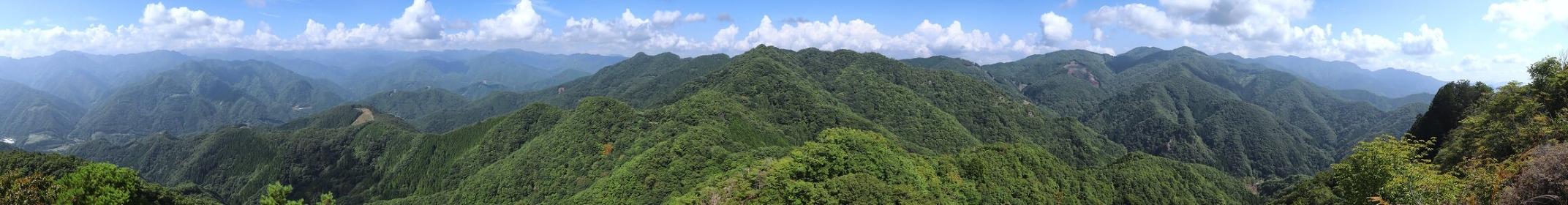 群馬県・笠丸山頂上からの眺望 (パノラマ)(別角度)