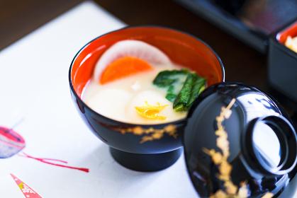 白みそ仕立ての関西風 お雑煮 【日本の正月のイメージ】