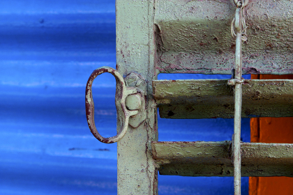metal venetian blind and a blue   in la boca buenos aires argentina