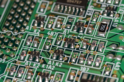 表面実装部品の乗った電子回路基板