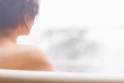 露天風呂 温泉でリフレッシュ 【旅・レジャーのイメージ】