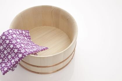 天然木の湯桶と日本手拭い