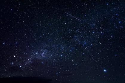 モルディヴ・南国のリゾートで眺める南十字星と流星
