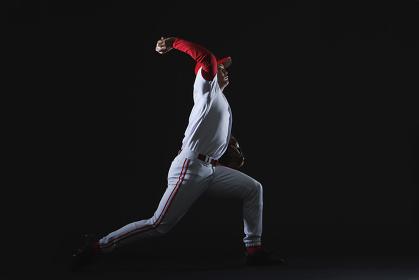 野球ボールを投げるピッチャー