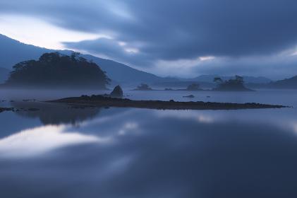 朝の桧原湖