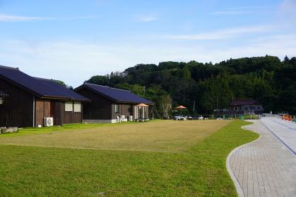 気仙沼大島フェリーターミナルの観光施設「野杜海」の広場