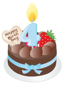 お誕生日のチョコレートケーキと4歳の数字のキャンドル