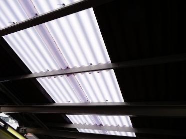 天井の採光用ビニールトタン