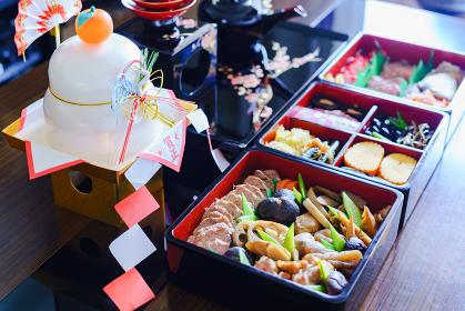 御節料理と屠蘇器 【日本の正月のイメージ】