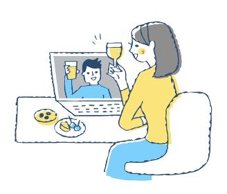 オンライン飲み会をする女性