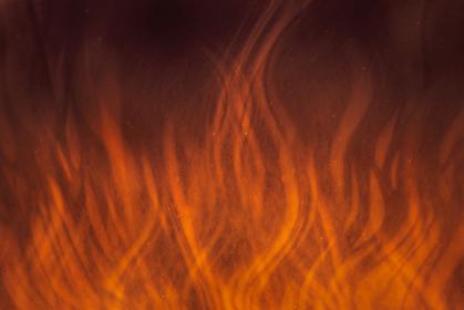怒りと灼熱の背景