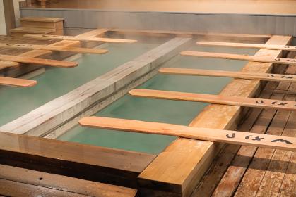草津温泉の湯もみ