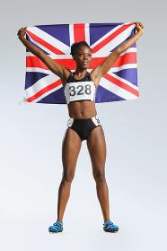 国旗を持つスポーツ選手
