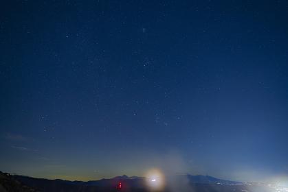 長野県 高ボッチ高原から見る諏訪湖の夜景