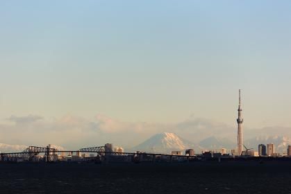日本・東京湾アクアラインから見た東京都心