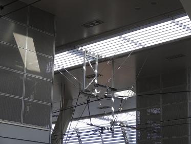駅ホームの採光用の天井