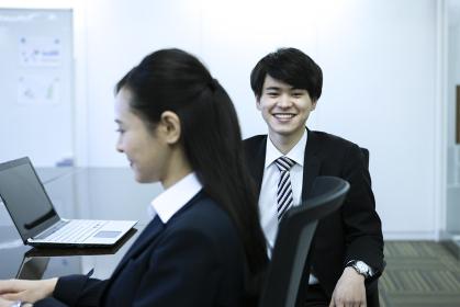 笑顔のビジネスマン