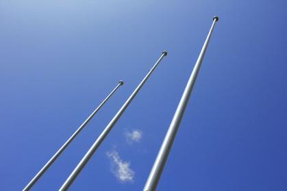 屋外の社旗掲揚ポール
