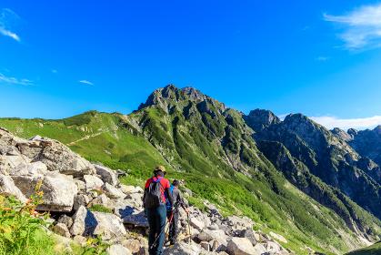 剱岳を目指す登山者