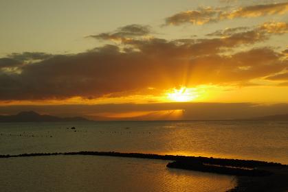 有明海と雲と薄明光線