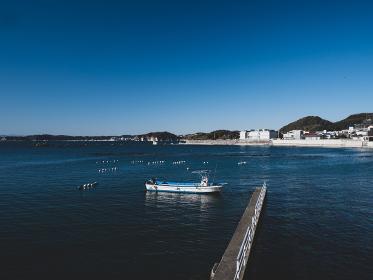 早春の葉山町の風景 真名瀬漁港 2月