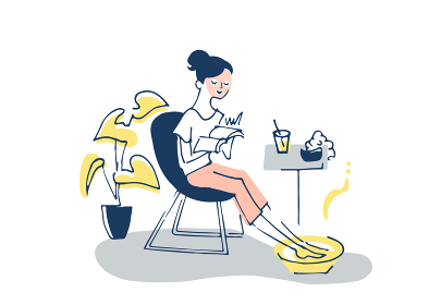 リラックスタイム パックと足湯をする女性