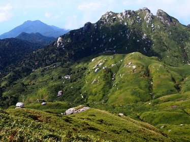 九州最高峰・宮之浦岳を望む