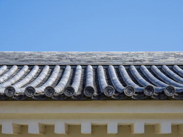 青空と大多喜城の屋根瓦 千葉県大多喜町