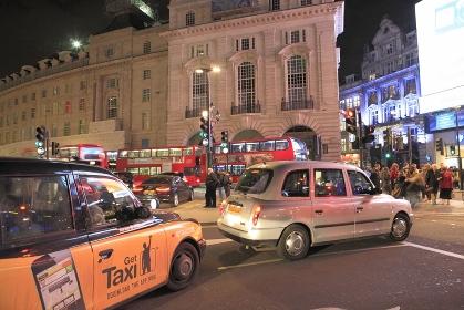 ピカデリーサーカス夜景タクシー