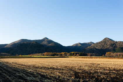 日本・北海道東部の国立公園、秋の弟子屈町
