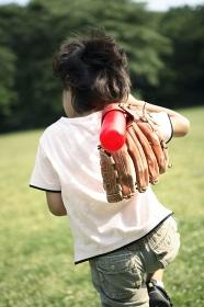 野球する子供