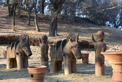 古墳王国群馬・大室古墳群の埴輪の立ち並ぶ圧巻の風景