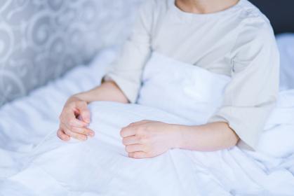 睡眠 起床 だるい 【コロナでホテルで療養のイメージ】
