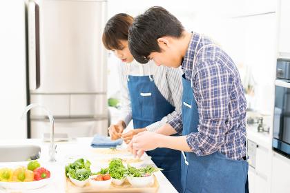 カップル・料理・飾り付け(盛り付け)