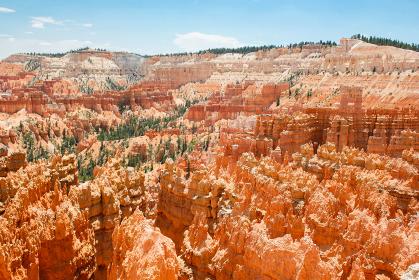 アメリカ・ユタ州にてブライスキャニオン国立公園の劣塔群フードゥーの奇岩