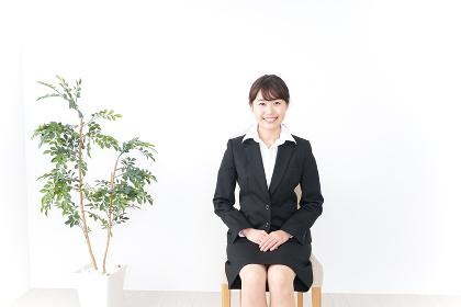 就職活動中の女性