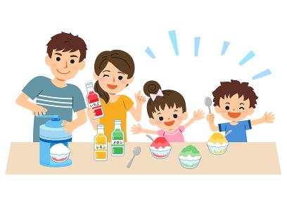 家族団らん 夏 かき氷を作る