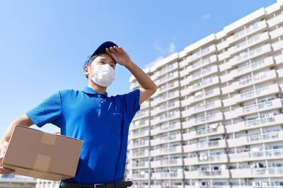 マスク着用の人物イメージ