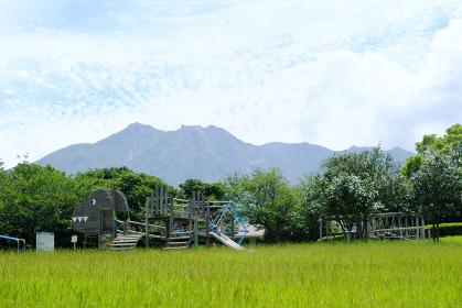 美しい桜島にある恐竜公園