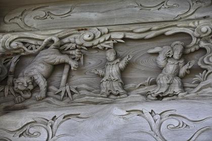 象潟蚶満寺の山門彫刻