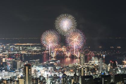みなとこうべ海上花火大会。兵庫県神戸市の花火大会。