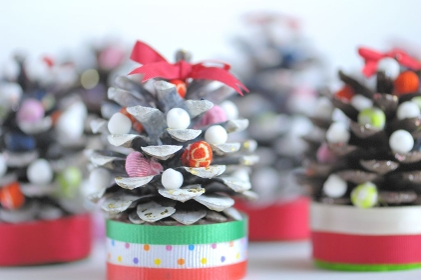まつぼつくりのクリスマスツリー