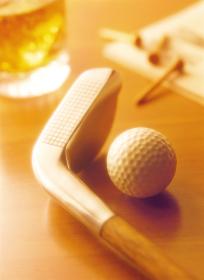 ゴルフクラブとウイスキー
